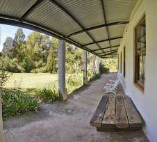 Thistledown B & B -  Huge verandah and view to the garden